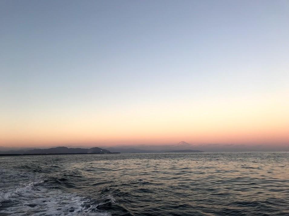 桜エビ漁で見えた夕日